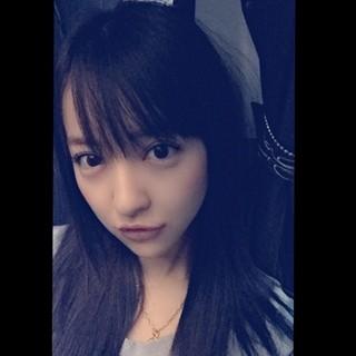板野友美、黒髪にイメチェン!「美少女」「かわいい」とファン絶賛 | マイナビニュース
