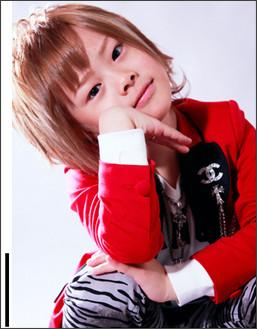 【MEN'S KNUCKLE HOST企画】6歳ホスト琉ちゃろ、スペシャルグラビア…ちいめろさんは楽しくお買い物