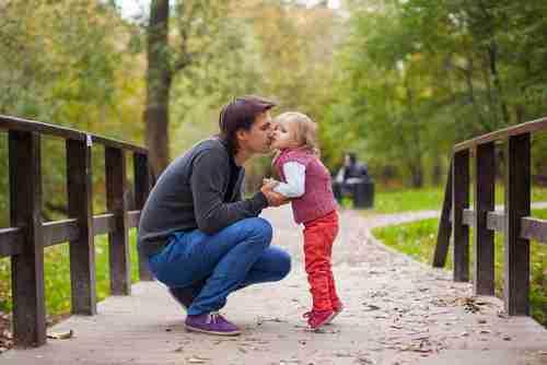 ニュース - ロリコン増殖中!? 日本人男性の15%は幼女に恋した経験アリ  - 楽天WOMAN