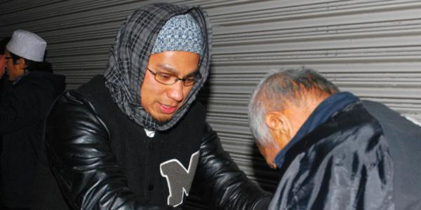 【New】国内のイスラム教徒 大阪で炊き出し「僕たちは『人を殺していい』なんて教わっていない」 hu… |ハフィントンポスト日本版さんのついっぷるトレンド画像