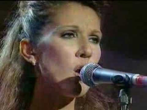 Andrea Corr  and Celine Dion My Heart Will Go On LIVE Titanic - YouTube