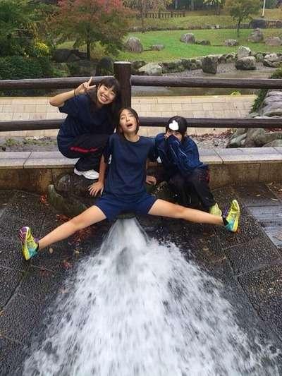 オールジャンルのオージャン : 【画像】日本のJKのおふざけ画像が海外の掲示板で拡散されまくって外国人によって様々な悪質コラが作られていると話題にwwwwwwwww