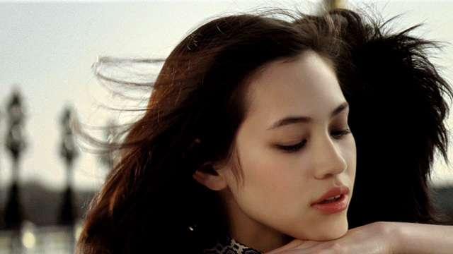 【東京ガールズコレクション 】水原希子、鋭い視線で挑発…SEXY美ヒップに3万人釘付け