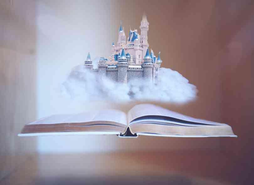 教えて(ゆめかわいい)の意味。メルヘンで夢みたいにかわいい世界にご招待†゜ MERY [メリー]