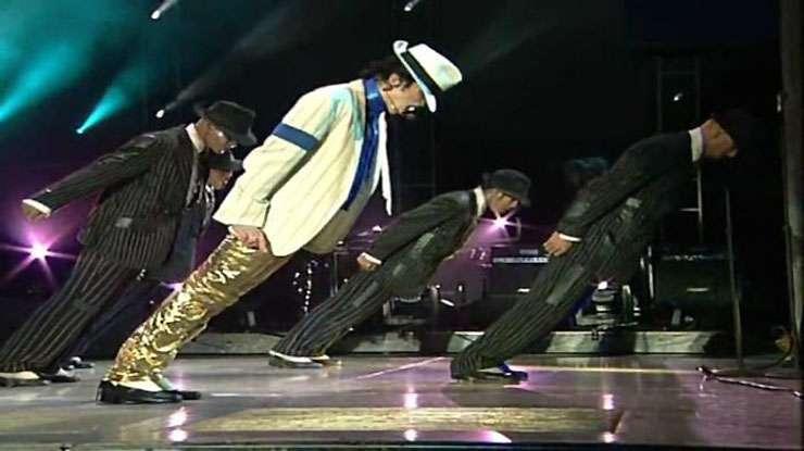 【マジかよ】マイケルジャクソンがダンスで「斜めになっても転ばなかった理由」が判明! - バズプラスニュース Buzz+