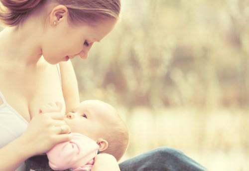 筋肉づくりに「母乳」を飲むボディビルダーが増加中!高額で取引される母乳の売買はアリ?