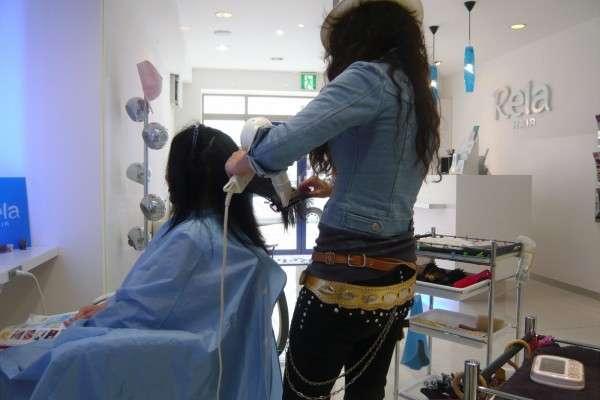 【調査】美容師と会話したくない人は50.3%!モヤモヤしたエピソードは?  – しらべぇ | 気になるアレを大調査ニュース!
