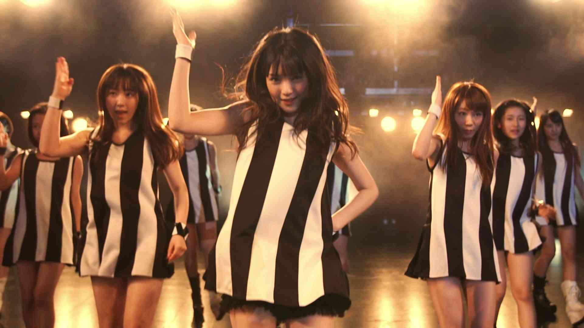 モーニング娘。 『わがまま 気のまま 愛のジョーク』(Morning Musume。[Selfish,easy going,Jokes of love]) (MV) - YouTube
