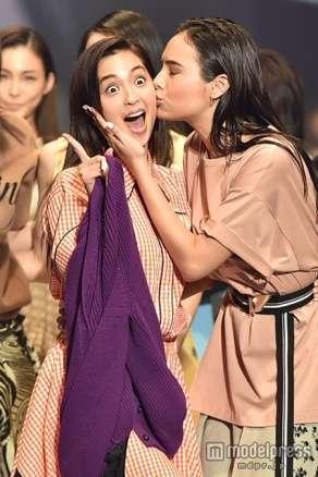菜々緒×石田ニコルら豪華モデルがキス連発【東京ランウェイ】