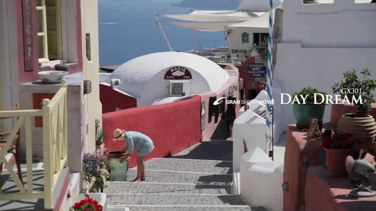 動画素材集【癒し系】ギリシャ サントリーニ島 おしゃれなエーゲ海 そよ風と白い街 - YouTube