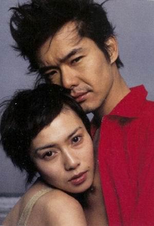 渡部篤郎&中谷美紀、腕組み2ショット撮られた!RIKACOからの