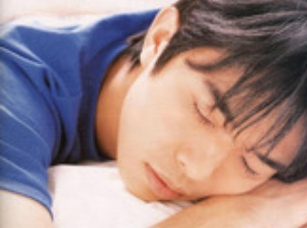 有名人の寝姿画像