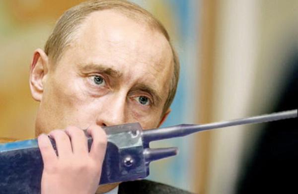 4ヵ国首脳会議でプーチン氏、鉛筆を「プチン」と折ったと話題に