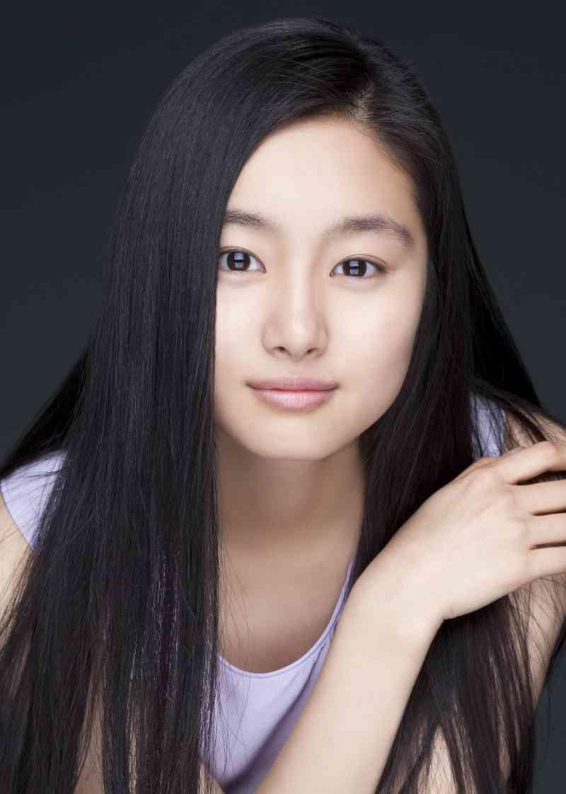 22歳人気女優に「極秘結婚・隠し子」疑惑が浮上!