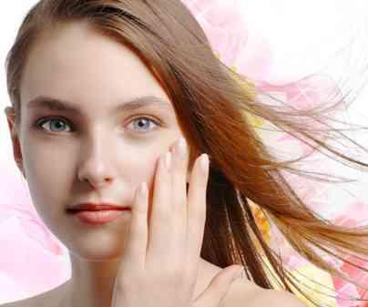 化粧水つける時はコットン派?手で付ける派?