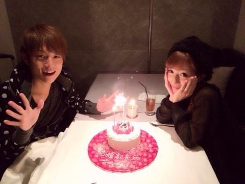 辻希美がまた炎上…レストランで結婚記念日を偽り、記念写真まで撮影