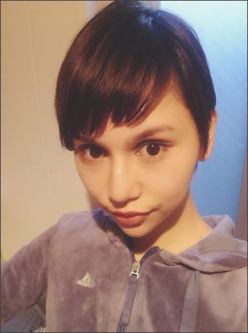 水沢アリー、人生で最も短いベリーショートヘアにイメチェン
