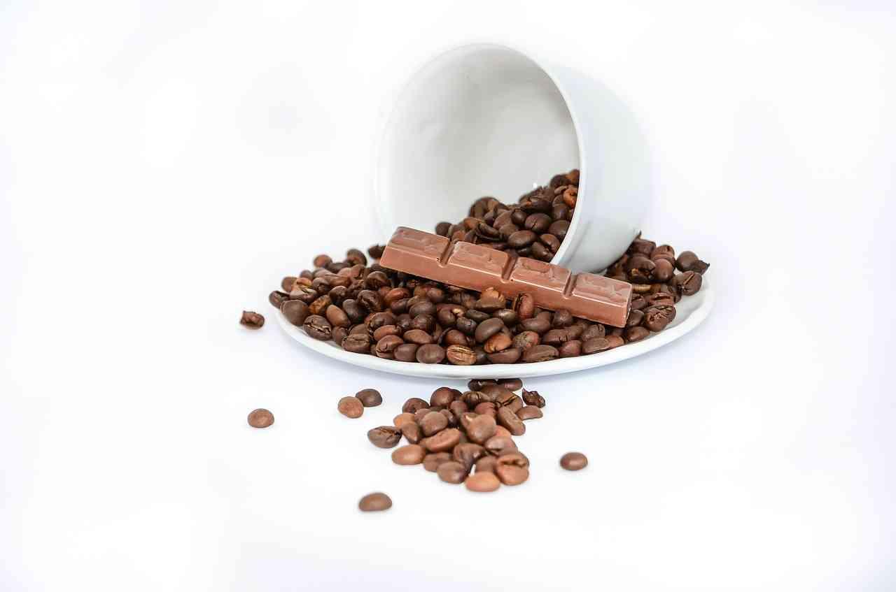 生理痛を悪化させていたのはチョコやコーヒーだった!? | 女子のためのコラム&トーク!プルーレ