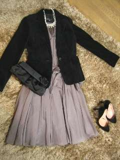 結婚式の二次会での服装について