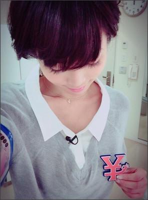 釈由美子のシンプルコーデが可愛い