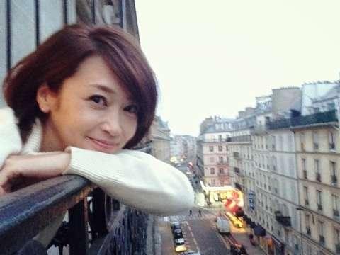辺見えみり、雑誌『LEE』で夫・松田賢二と初のツーショット披露