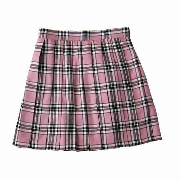 【茨城】女子高生が男に殴られ、はいていたスカートが奪われる