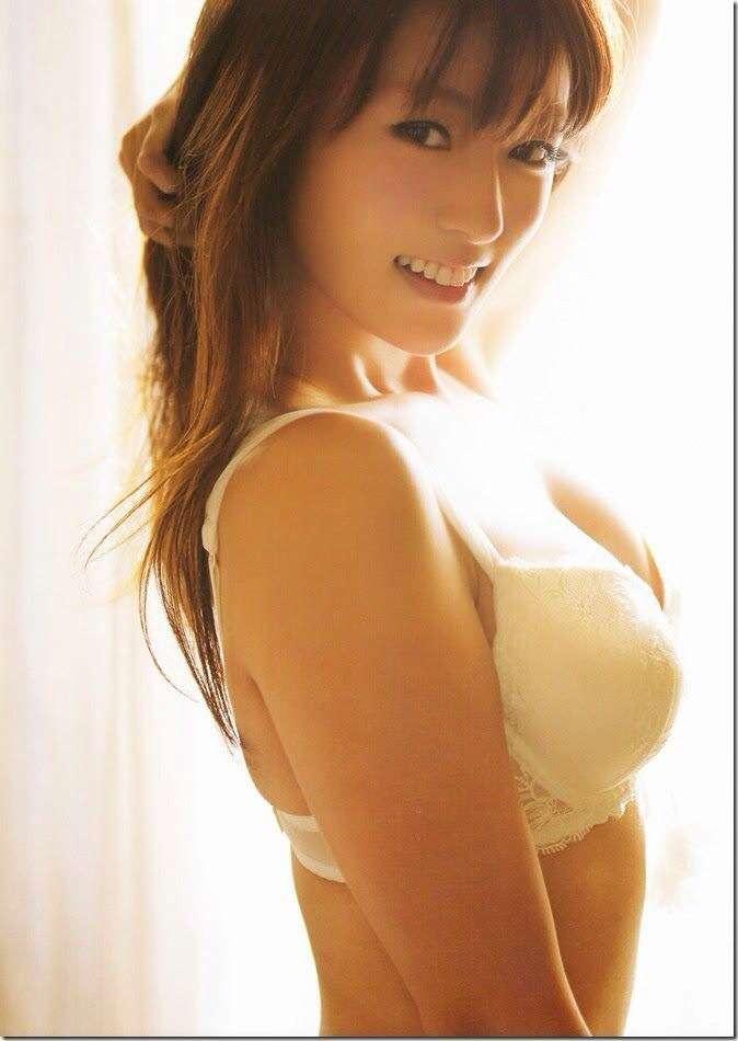 「深田恭子 グラビア」の画像検索結果