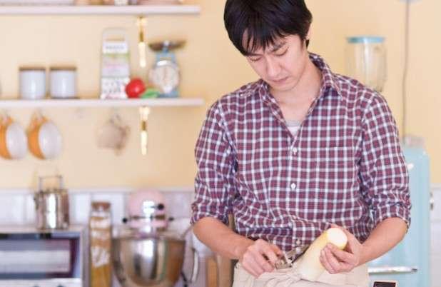 【悲報】家事の時間、日本人男性は世界最低水準と判明…