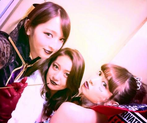 """大島優子のハロウィン仮装が「ラスボス並み」の迫力。AKB48小嶋陽菜は""""困り顔""""。"""