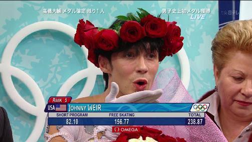 """フィギュア界の乙女""""ジョニ子""""ことジョニー・ウィアーの派手すぎる衣装が話題に"""