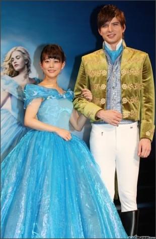 ディズニー実写版『シンデレラ』 日本語吹き替え版の声優、高畑充希 憧れのシンデレラ風ドレスに夢心地 城田優は王子に