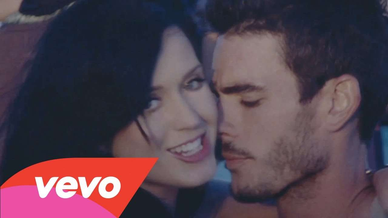 Katy Perry - Teenage Dream (Director's Cut) - YouTube