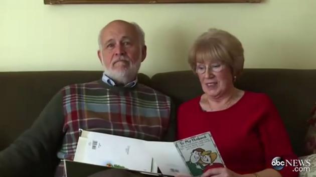 素敵すぎる!およそ40年間、毎日妻にラブレターを書き続けている夫