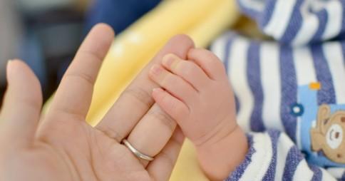 【衝撃】「母乳を飲みたい」男性が24%いることが判明!