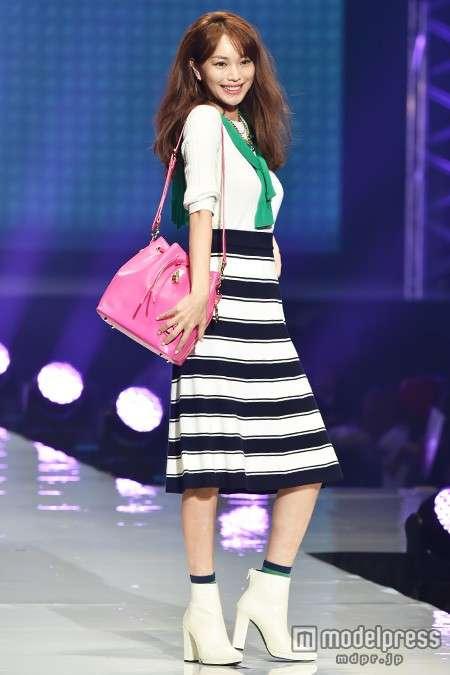 【東京ランウェイ2015】蛯原友里、圧倒的美貌で存在感放つ!押切もえと生涯モデル宣言