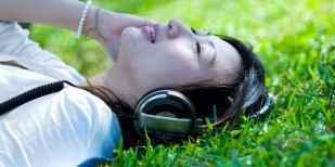 日本音楽復活の兆し、ミュージックカード集計廃止でランキング浄化 - IRORIO(イロリオ)