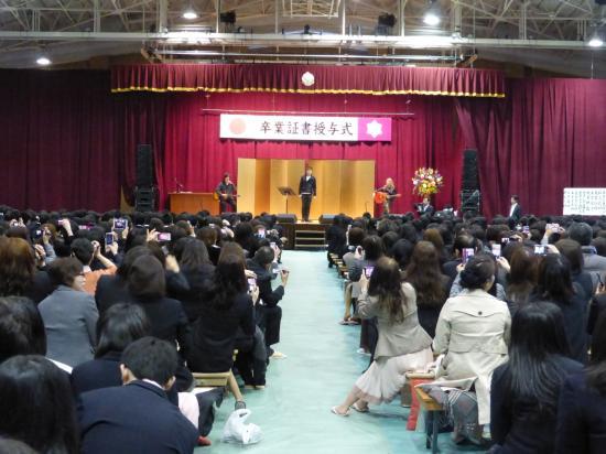"""卒業式パニック!GACKT""""電撃乱入"""" 校長の直談判で実現"""