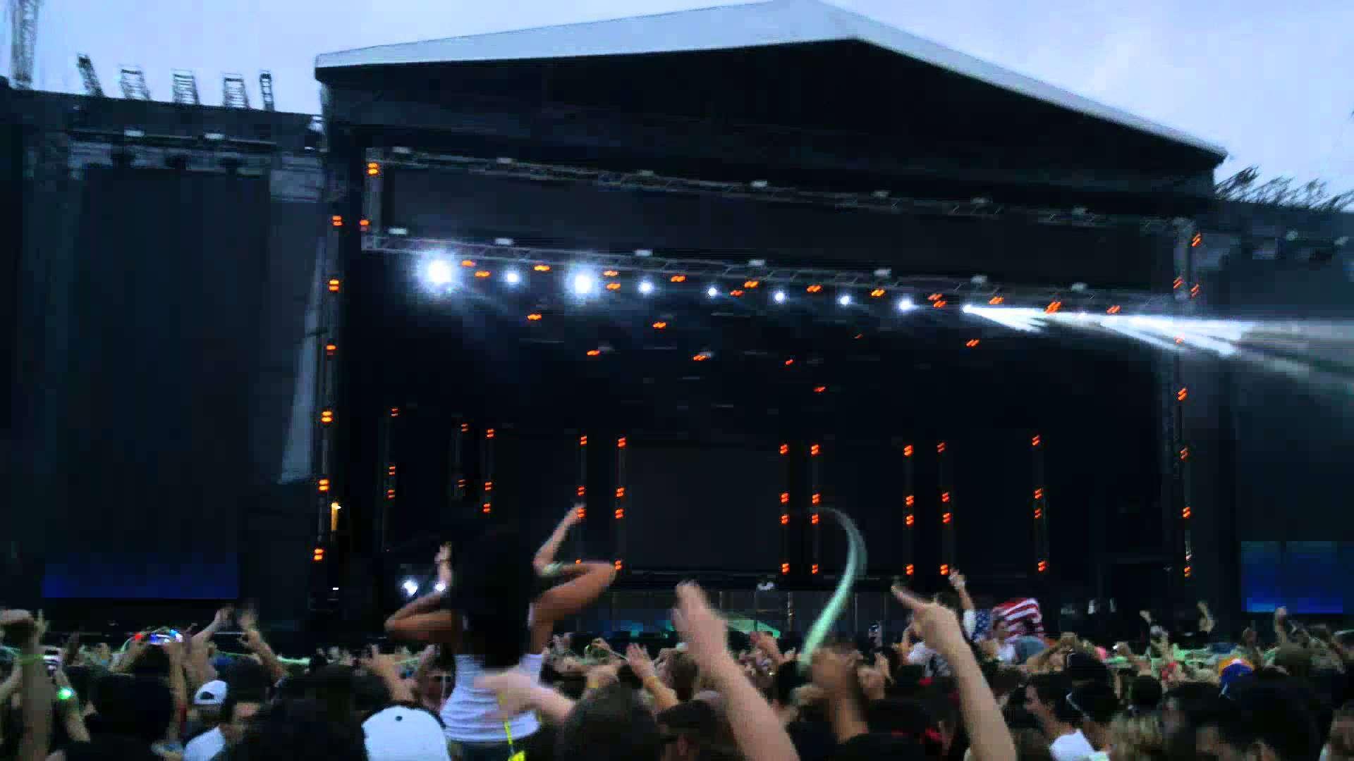 EDC London 2013- Avicii - Dear Boy - YouTube