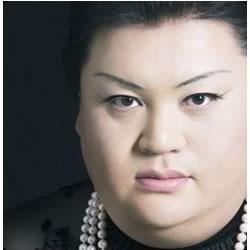 マツコ・デラックスが12年前の斉藤和義のPVに出ていた!? ネットで「マツコさん?」の声多数