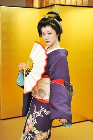 蒼井優、人生初の白塗り芸者姿を披露「見慣れない…」 | ORICON STYLE