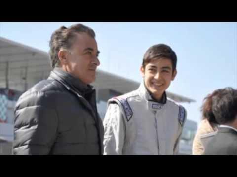 アレジとゴクミの息子ジュリアーノ、鈴鹿で日本初走行を披露 - YouTube