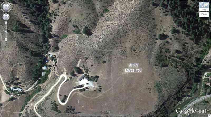 【Google Earth】グーグルアースの面白い・不思議な写真が集まるトピ!