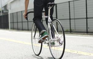 痛いニュース(ノ∀`) : 歩行者を信号無視でひき殺したロードバイク乗りが遺族に反論「前傾姿勢で信号が見えにくい。仕方ない」 - ライブドアブログ