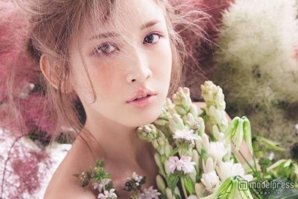 紗栄子、男心をくすぐる