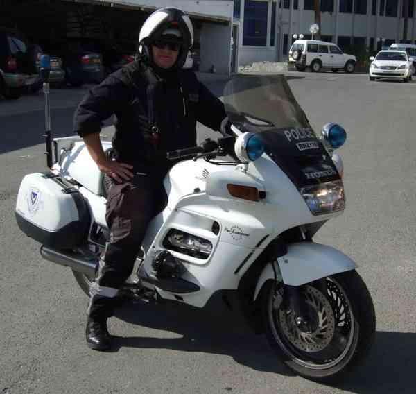 海外反応! I LOVE JAPAN  : 世界で活躍する日本製の白バイ! 海外の反応。