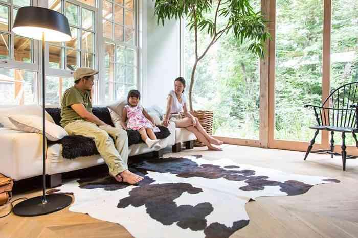 木への思いとこだわり自然に包まれた森の中のモダン建築   100%LiFE