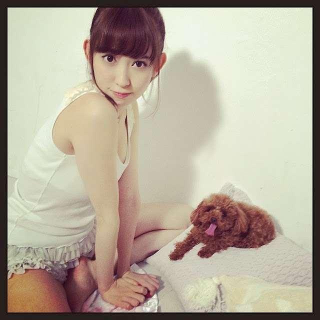 小嶋陽菜、大胆なショート風ヘアに挑戦。「めっちゃ似合う」「癒される」と好評。