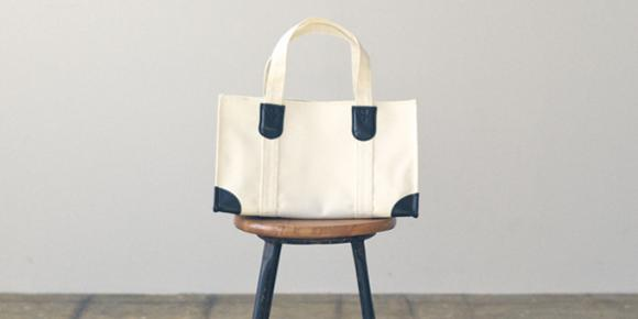 車掌さん、郵便屋さん、牛乳屋さん……業務用バッグをもとにデザインされた楽しい12のバッグ   Pouch[ポーチ]