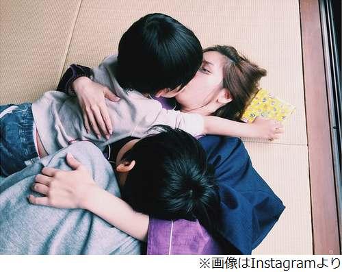 """紗栄子の""""チュー写真""""に絶賛、ほっこりな一枚をInstagramで公開。   Narinari.com"""