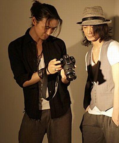 痴漢が斎藤工の服をビリビリに、パリで被害に遭うも意外な展開へ。